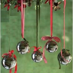 Jingle Bells necklace with a bow.