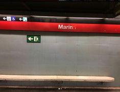 Parada de metro de Barcelona. Acordándome de la protagonista de Reflejos del pasado. Barcelona, Past Tense, Barcelona Spain