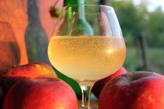 Do you love the taste of craft hard cider? We'll show you how to make hard cider at home in five easy steps with no additional ingredients required!