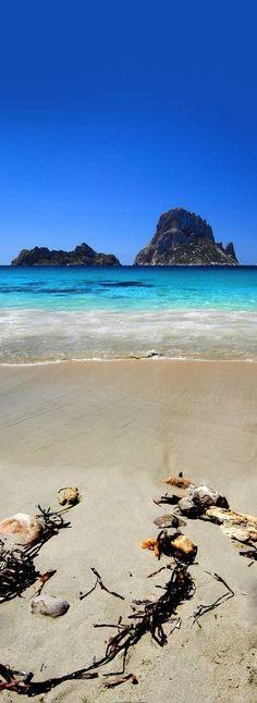 Cala D'hort beach, Ibiza, Spain - Top-Trends Ibiza Town, Ibiza Beach, Ibiza Island, Island Beach, Monteverde, Beautiful Places To Visit, Beautiful Beaches, Surfing Destinations, Amazing Destinations