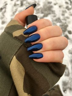 Galaxy chrome nails