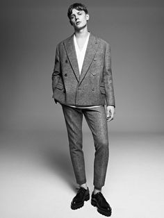 Modern and sophisticated. > www.theory.com