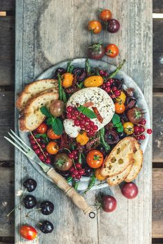 Roasted Heirloom Tomato + Green Bean Salad with Fried Italian Calabrese Sausage, Sweet Cherries & Italian Burrata Cheese _ This salad is packed. In every way; flavour-filled, colour-filled, nutrient-filled, deliciously-filled. You got yourself a mouth-party!