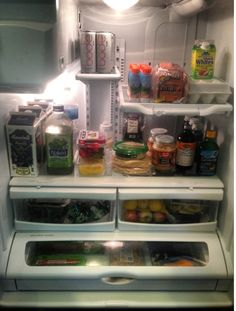 Celebrity Trainer Heidi Powell show us what's in her fridge - Learn more at http://HeidiPowell.net/1943