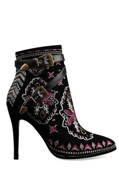 gorgeous embroidered boots