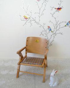 Chaise enfant , chaise-pot, vintage, vernie  , assise Liberty Cars enduit , child chair de la boutique atelierdelachoisille sur Etsy