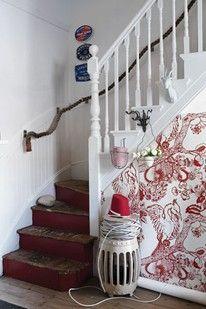 100 Ideas Hallway