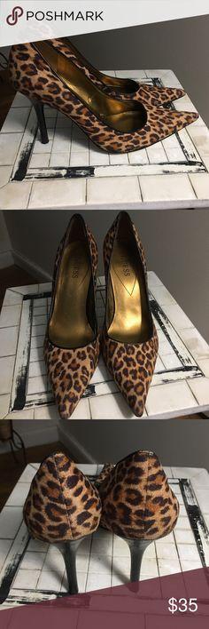 5b4ee5017bc8a3 Beautiful Guess Heels Leopard print