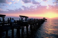 The Pier is the focal point of Naples Beach. The city of Naples provides a blanket fishing license for the Pier, so everyone with a fishing rod is welcome to try his luck!