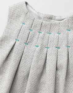 FREE Pattern and tutorial: The Eriqua Dress - Serger Pepper