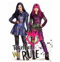 Disney Descendants Dolls, Descendants Wicked World, Disney Channel Descendants, Descendants Cast, Cameron Boyce, Dove Cameron Style, Disney Channel Movies, Mal And Evie, Decendants