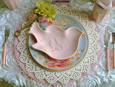 Candlelightsupper Style Your Table: MAY DAY TABLESCAPE