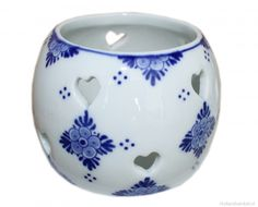 Delft blue party light or waxine light holder decorated with Delft Blue patterns.The waxine light comes in a sturdy cardboard box. Blue Party, Party Lights, Something Blue, Delft, Porcelain, Blue And White, Vase, Tableware, Pattern