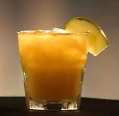 Bar Rescue Drink: All-American, it tastes like apple pie. Drinks Alcohol Recipes, Non Alcoholic Drinks, Bar Drinks, Cocktail Drinks, Cocktail Recipes, Beverages, Fruity Drinks, Refreshing Drinks, Yummy Drinks