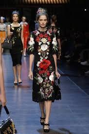 Resultado de imagen para vestidos negro con flores de dolce gabbana