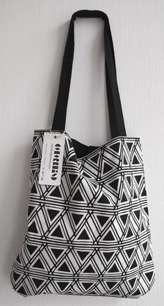 NEW & LIMITED  Shopping Bag 21  Schwarz by ColorblindPatterns, €32.00