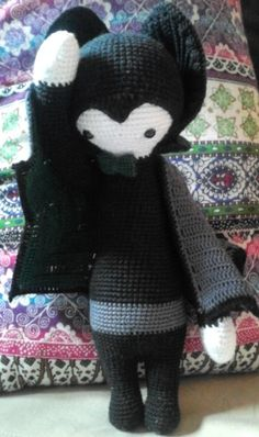 VLAD the vampire bat made by Jessica G. / crochet pattern by lalylala
