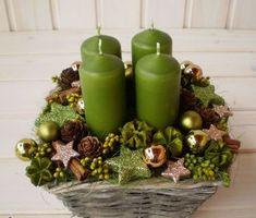 A new take on an Advent Wreath Christmas Advent Wreath, Christmas Flowers, Christmas Room, Noel Christmas, Christmas Candles, Christmas Design, Christmas Crafts, Advent Wreaths, Christmas Arrangements