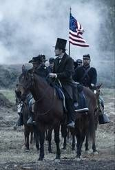 Daniel Day Lewis as President Abraham Lincoln in Steven Spielberg's LINCOLN. The President clash with cabinet members over abolishing slavery. Lincoln Movie, Lincoln Life, New Lincoln, American Presidents, American Civil War, American History, American Independence, American Pride, Abraham Lincoln