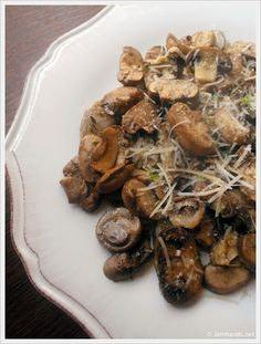 Baked Lemon and Thyme Mushrooms at www.JamHands.net
