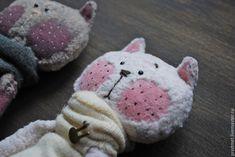 Кошкин дом – купить или заказать в интернет-магазине на Ярмарке Мастеров | Друзья - котята сшиты из винтажного плюша и…