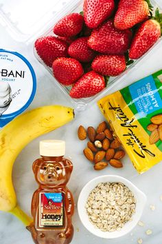 Here are the ingredients for a healthy strawberry banana smoothie with oats, almonds, and yogurt. | jessicagavin.com