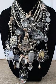 Artful Play: Selling Necklaces on Etsy! Jewelry Crafts, Jewelry Art, Beaded Jewelry, Vintage Jewelry, Jewelry Design, Chunky Jewelry, Jewelry Ideas, Recycled Jewelry, Handmade Jewelry