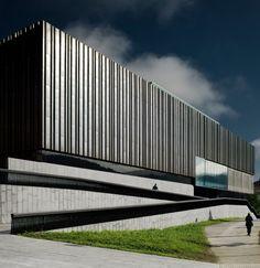 Polideportivo de Aretxabaleta, Guipúzcoa (ACBA arquitectos). Cobre utilizado: natural. #arquitectura #cobre