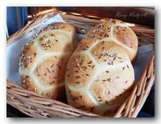 Czech Desserts, Bread And Pastries, Bread Rolls, Pavlova, How To Make Bread, Pain, Bread Recipes, Tapas, Good Food