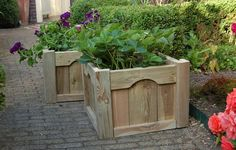 Easy homemade planter plans, instructions for wooden planters made of reclaimed wood and scaffolding planks. Easy DIY examples and construction drawings. Garden Chairs, Garden Furniture, Garden Seating, Pipe Furniture, Pallet Furniture, Outdoor Furniture, Construction Drawings, Wood Construction, Wooden Planters