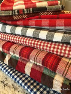 Plaid Table Settings for the Fall and Winter Holidays