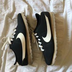 newest 971c7 fa7df Nike Shoes   Nike Cortez Ultra Moire   Color  Black   Size  8 Cortez