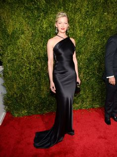 Gretchen Mol in Sophie Theallet. See what everyone wore to the 2015 Tony Awards.