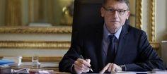 44 élus de droite réclament la démission de Peillon