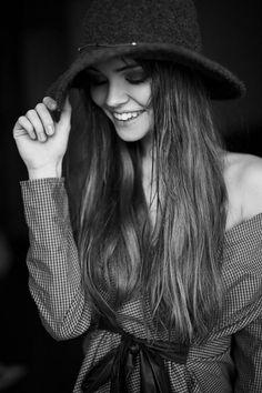 Se eu sinto e me faz bem, levo comigo. A frase, o livro, o filme, a música, a estrela, a risada, a amizade, a fé.  [Juliana Sfair]
