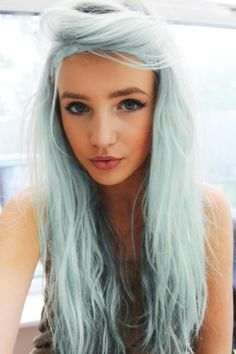 gorgeous! I'm thinking about going lilac for spring but this pale blue is really pretty too