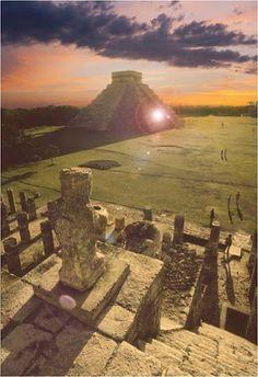 Este es una ruinas.  Las ruinas es en Tijuana, México Las ruinas son de Chichen Itza. Las ruinas y sol ve bien.