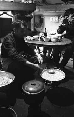 Chinese Cook © Bert Hardy, May 1942