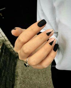 Pin by Heather Hudson on Nails Nail designs, Black nail art lovely nails hudson - Lovely Nails Dark Nails, Matte Nails, Gel Nails, Nail Polish, Shellac, Manicures, Minimalist Nails, Minimalist Style, Nail Art Hacks
