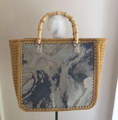 #Borsa realizzata con #slatestyle #soft #stone. Un sottile foglio di vera #pietra #naturale #ardesia di solo 1mm di spessore. #rustic #slate #veneer #jaipurpietre #bag #fashion #accessories #idea