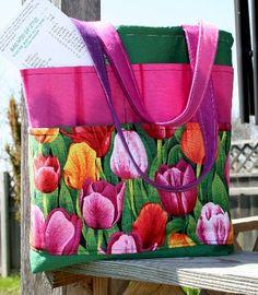 Free Garden Tote Bag ePattern by FlowerGirl Designs @ PatternPile.com