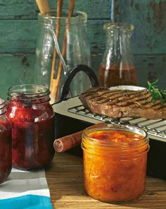 Asiatisches Zwetschgen-Chutney & Aprikosen-Chutney mit Tomaten