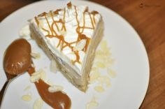 O reteta foarte gustoasa de tort de mere si crema de zahar ars,
