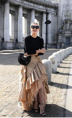 Ruffle Skirt | Black Top | Black bag | Shades | Sunshine Photo | OOTD