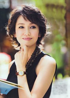 Mother Of Bride Makeup, Mother Of The Bride, Short Wavy Hair, Short Hair Styles, Short Choppy Haircuts, Beautiful Actresses, Celebrity Photos, Hair Trends, Cool Hairstyles
