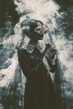 Dark Beauty Photography by Fabio Interra. Dark Photography, Portrait Photography, Creepy Photography, Horror Photography, Beauty Photography, Foto Fashion, High Fashion, Witch Aesthetic, Dark Beauty