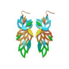 Blue boucles d'oreilles en cuir, couleur bloc de géométriques boucles d'oreilles, les boucles d'oreilles verts métallisés, boucles d'oreilles or, dentelle florale et feuilles, déclaration boucles d'oreilles
