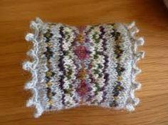 Afbeeldingsresultaat voor wrist warmers knitting pattern