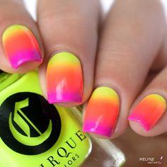Summer gradient nails ☀️ Avec Electric Daisy, Sin City et Plastik by @cirquecolors Vice 2016 collection ☀️.#nailart #cirquecolors #naildesign #melynenailart #vice2016collection #nails2inspire