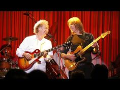 Lee Ritenour & Mike Stern with The Freeway Band - Live at The Blue Note Tokyo 2011 - YouTube